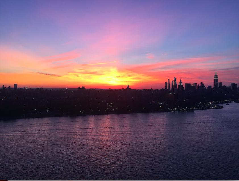 Epic Manhattan sunset views from Brooklyn